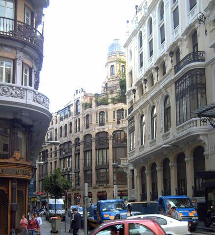 Calle clavel de madrid for Pisos en calle alcala madrid