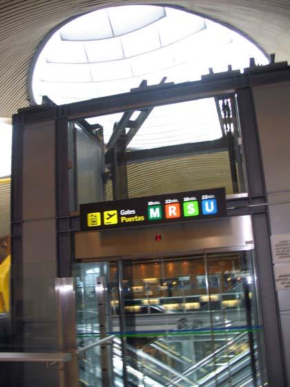 madrid_aeropuerto059_420trenascensor.jpg