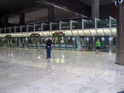 madrid_aeropuerto061_420tren.jpg